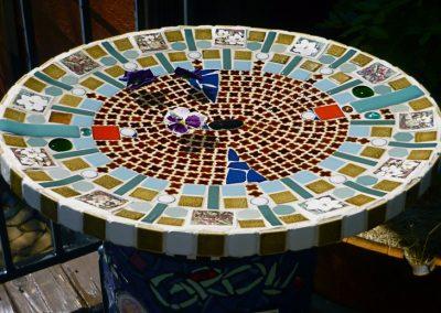 mosaic-birdbath-titled-clover