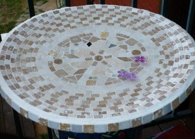mosaic-birdbath-titled-creme