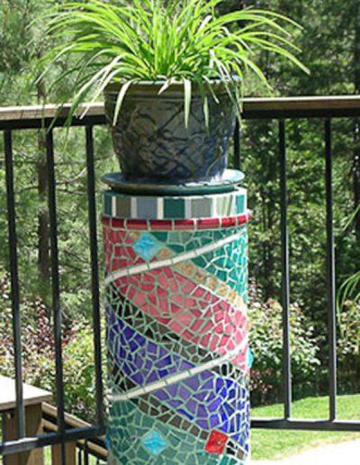 garden-column-swirl