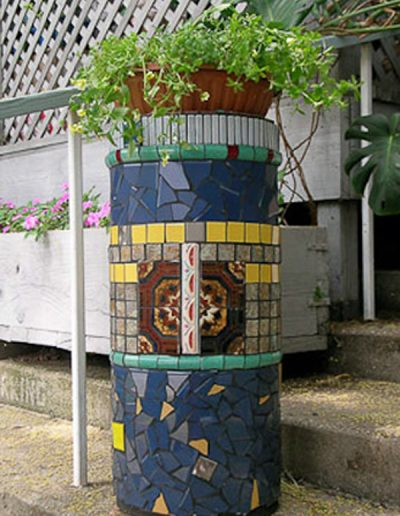 garden-column-handsome